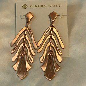 Kendra Scott Jewelry - Kendra Scott Luca Statement Earrings in Rose Gold